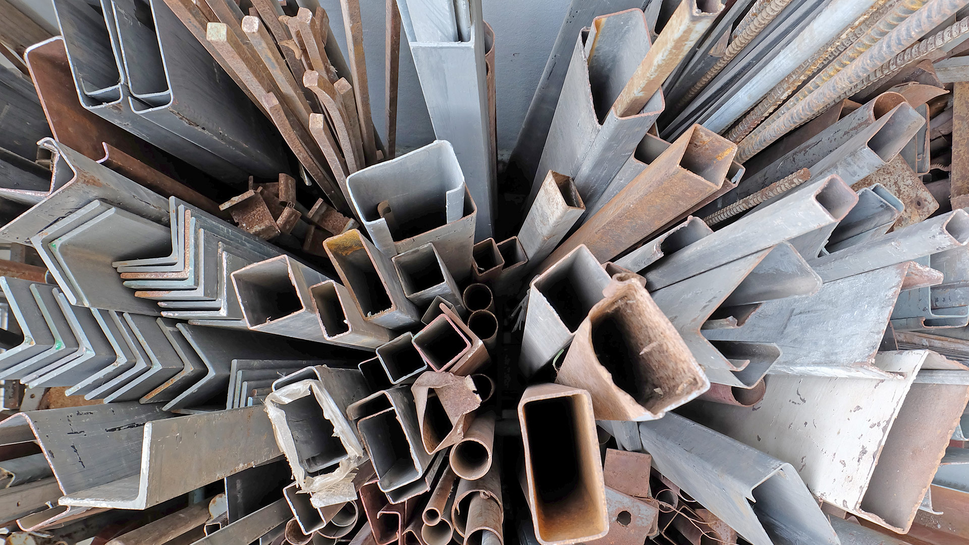 How to Start a Scrap Metal Business in Dubai?